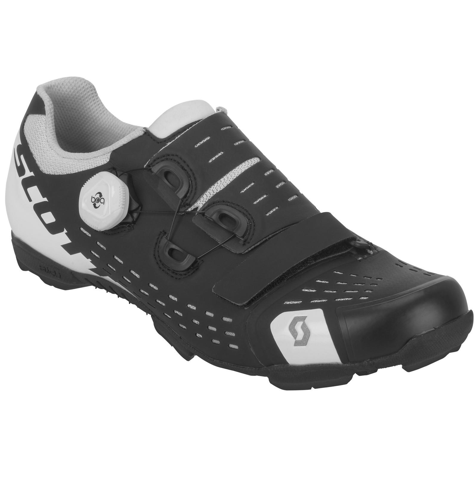 Scott Premium shoe in matte black/gloss white