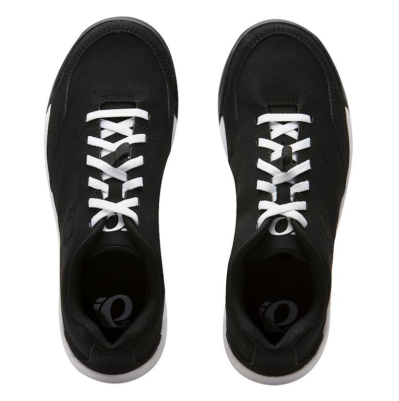 Pearl Izumi X-ALP FLOW women's shoe in black/white