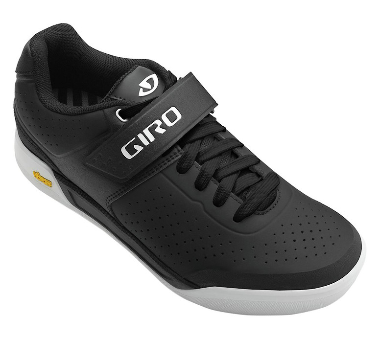 Giro Chamber II shoe in Gwin black-white