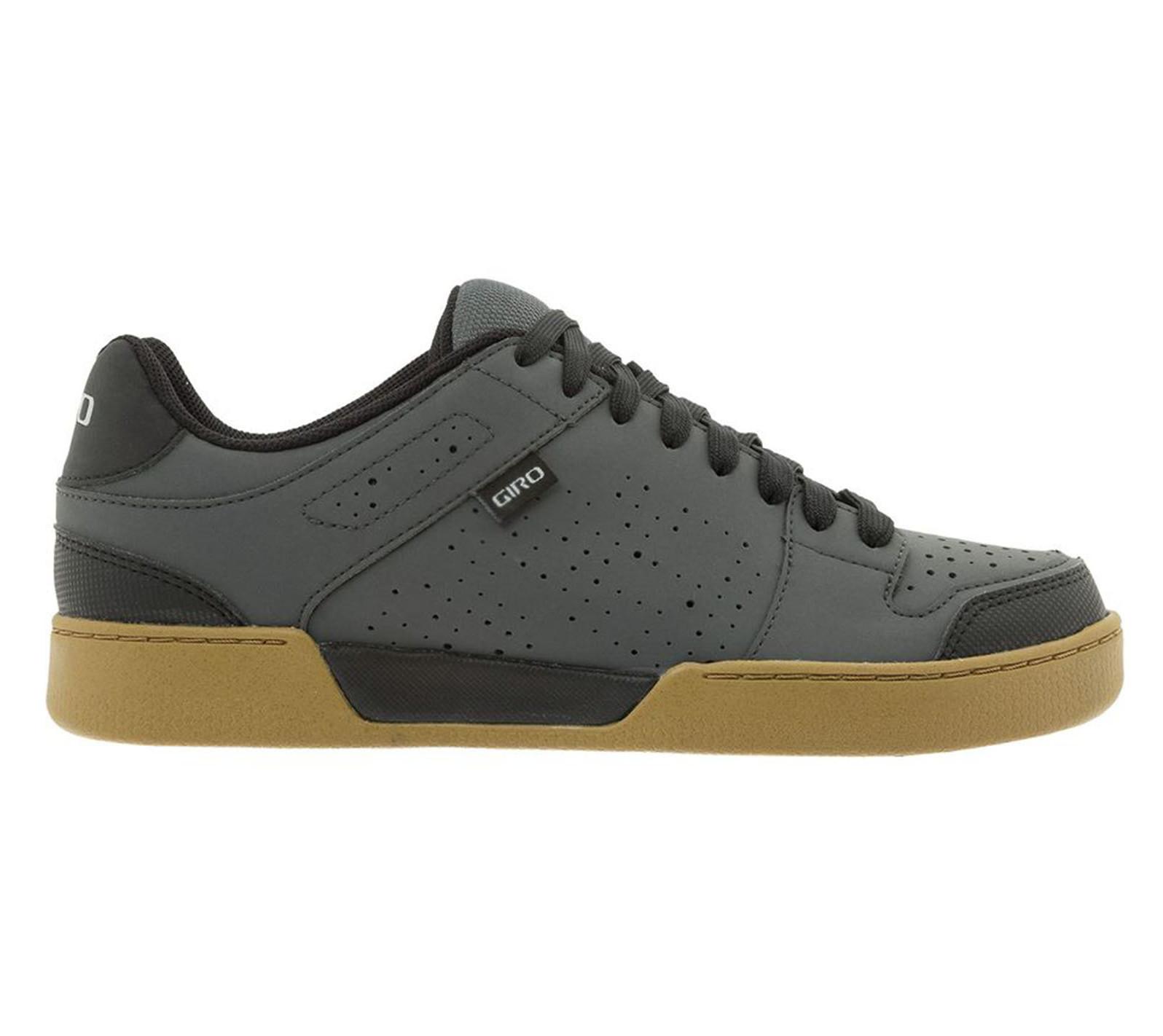 Giro Jacket II shoe in dark shadow-gum