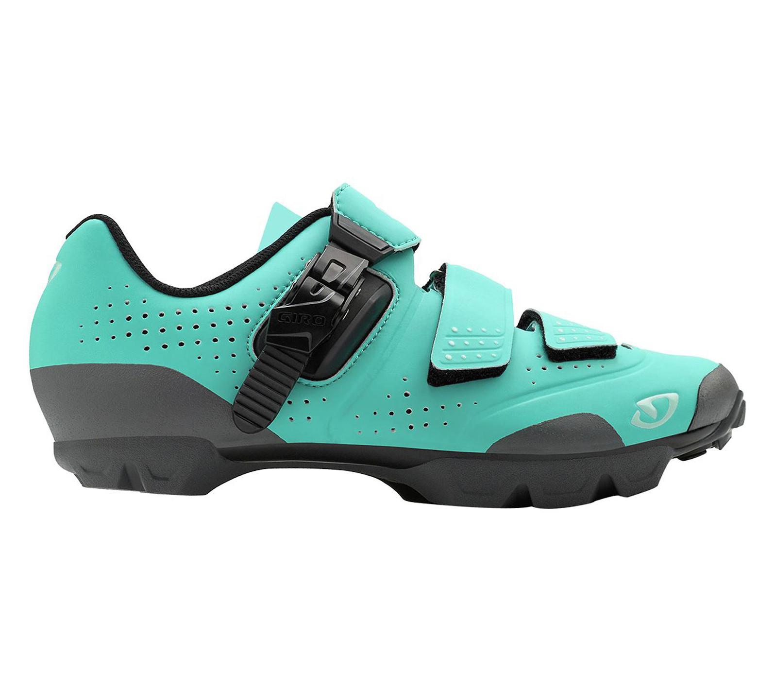 Giro Manta R women's shoe in glacier-titanium
