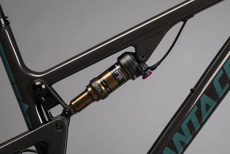 2020 Santa Cruz Blur Carbon (may show different build)