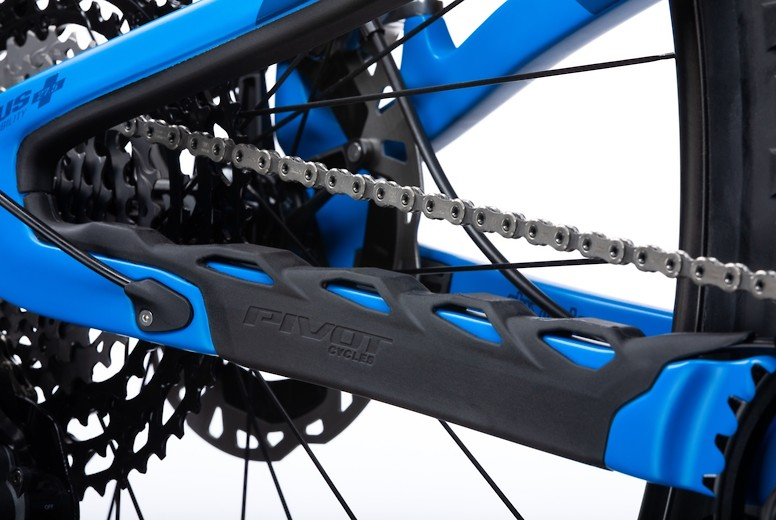 2020 Pivot Switchblade - chainstay protector