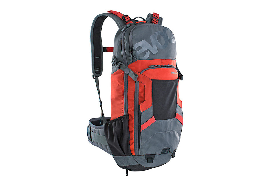 Evoc FR Enduro 16L Backpack - Carbon Grey/Chili Red