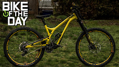 C235x132_commencal_supreme_dh_v42_yellow_spot
