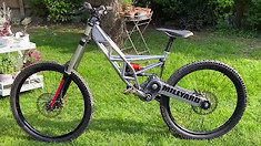 Why Don't Ideas Like These Stick Around? Millyard Racing's Downhill Bike