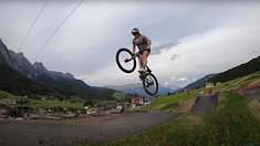 Vali Höll Is Staying Focused on the Coming Season - Intervals and Pumptrack Laps