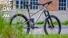 Bike of the Day: Banshee Titan