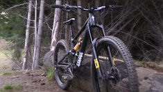 Specialized Status in Action - Vanzacs Boosting Huge in STATUS mtb