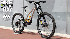 Bike of the Day: Commencal Supreme 29/27