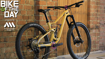 Bike of the Day: Devinci Troy