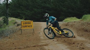 Foot Out, Flat Out: Sam Hill Shreds the All-New Nukeproof Mega 290c V4