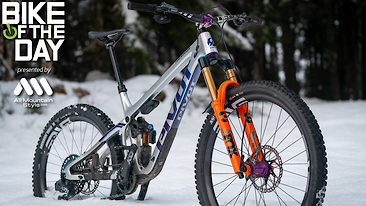 Bike of the Day: Pivot Switchblade