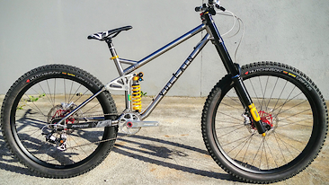 Prototype Vulcain Magma DH Bike