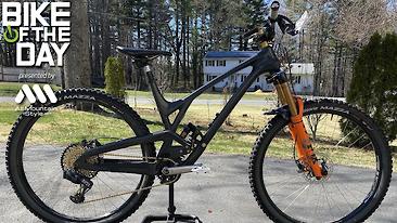 Bike of the Day: Evil Offering V2