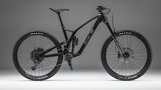 GT Launches the All-New 2022 Force Carbon Enduro Machine