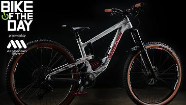 Bike of the Day: Santa Cruz Nomad V4