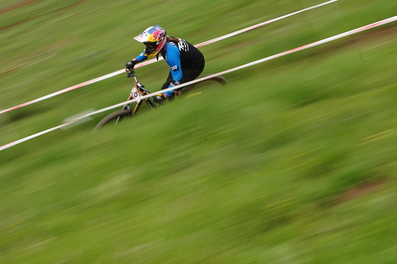 Jill on her way to the overall victory at the SolVista Triple DHip event in 2011. - Photo by gordo