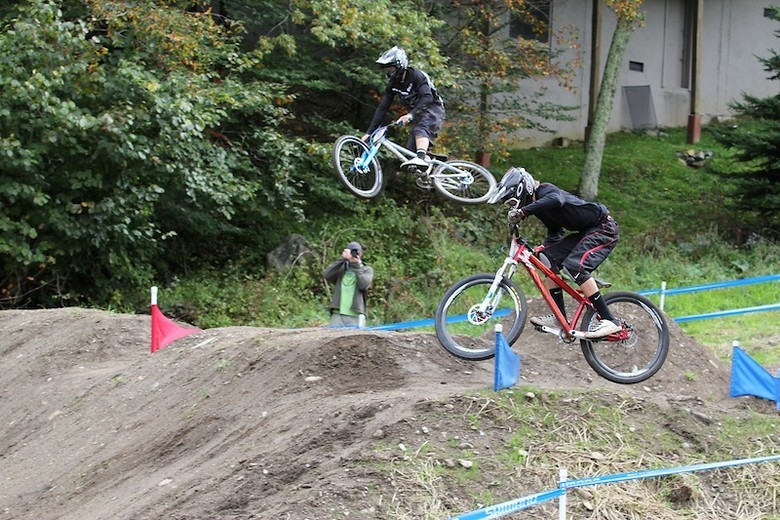 Mitch Ropelato and Cody Kelley duking it out during DS qualifiers. - Photo: Ryan Dobbins