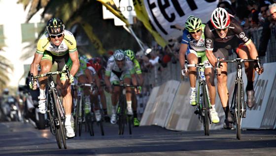 Foto finish: Simon Gerrans winning Milan San Remo. Photo: Graham Watson