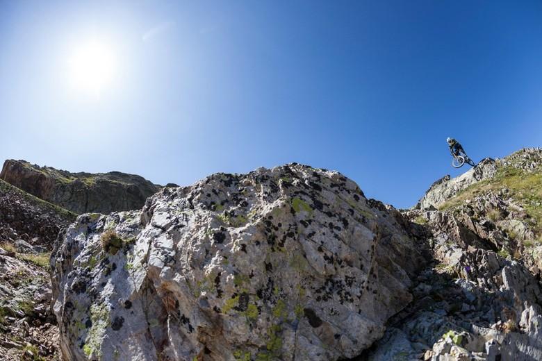 Vink on the rocks.