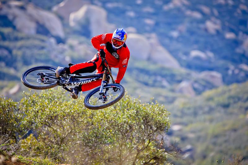New Troy Lee Designs Sam Hill D3 Helmet and SE Pro Bike Gear ... 1a9c3b8c0