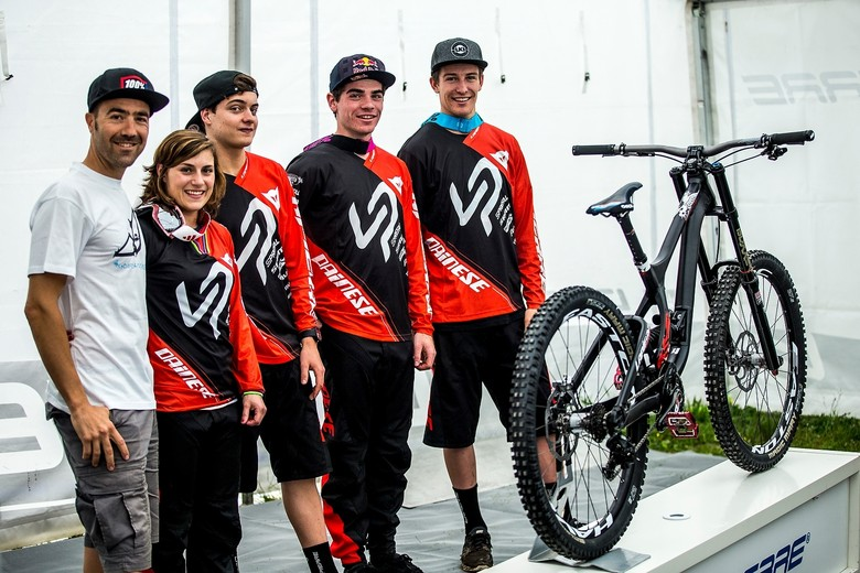 Team Lapierre at the Fort William launch of the new DH - photo by Sven Martin.