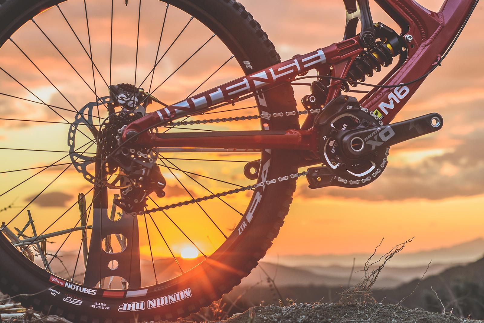 31a5ea332dc First Look: 2016 Intense M16 Downhill Bike - The Next Gen of M ...