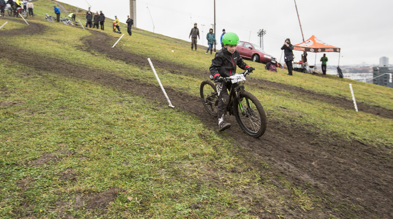 9-year-old Love drifting his way down the slippy corners.