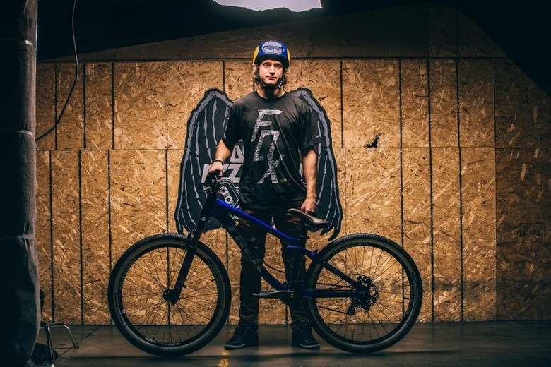 <b>Drew Bezanson poses with his new slopestyle bike.</b> © Mitchell Hubble / Red Bull Content Pool