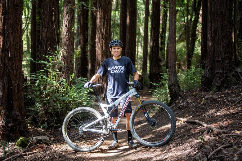 Pro endurance rider Josh Tostado with his Tallboy in Santa Cruz. Photo: Mike Thomas/SBC