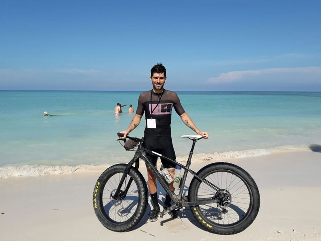 In the Fat Bikes, former Formula One driver Jaime Alguersuari takes the victory