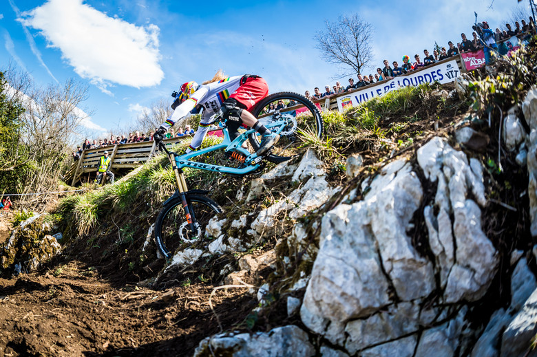 Rachel on her way to winning the first round of the 2016 World Cup in Lourdes, France - photo by Johan Hjord