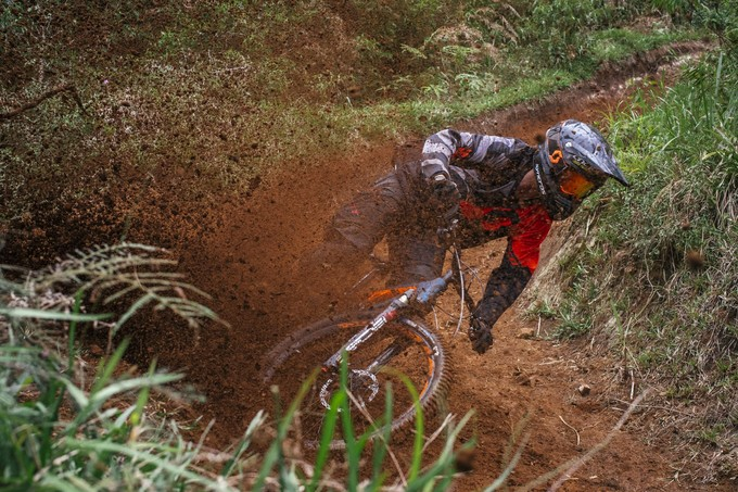 Downhill Freerider Vincent Tupin riding on VEE Tire Co's Flow Rumba.
