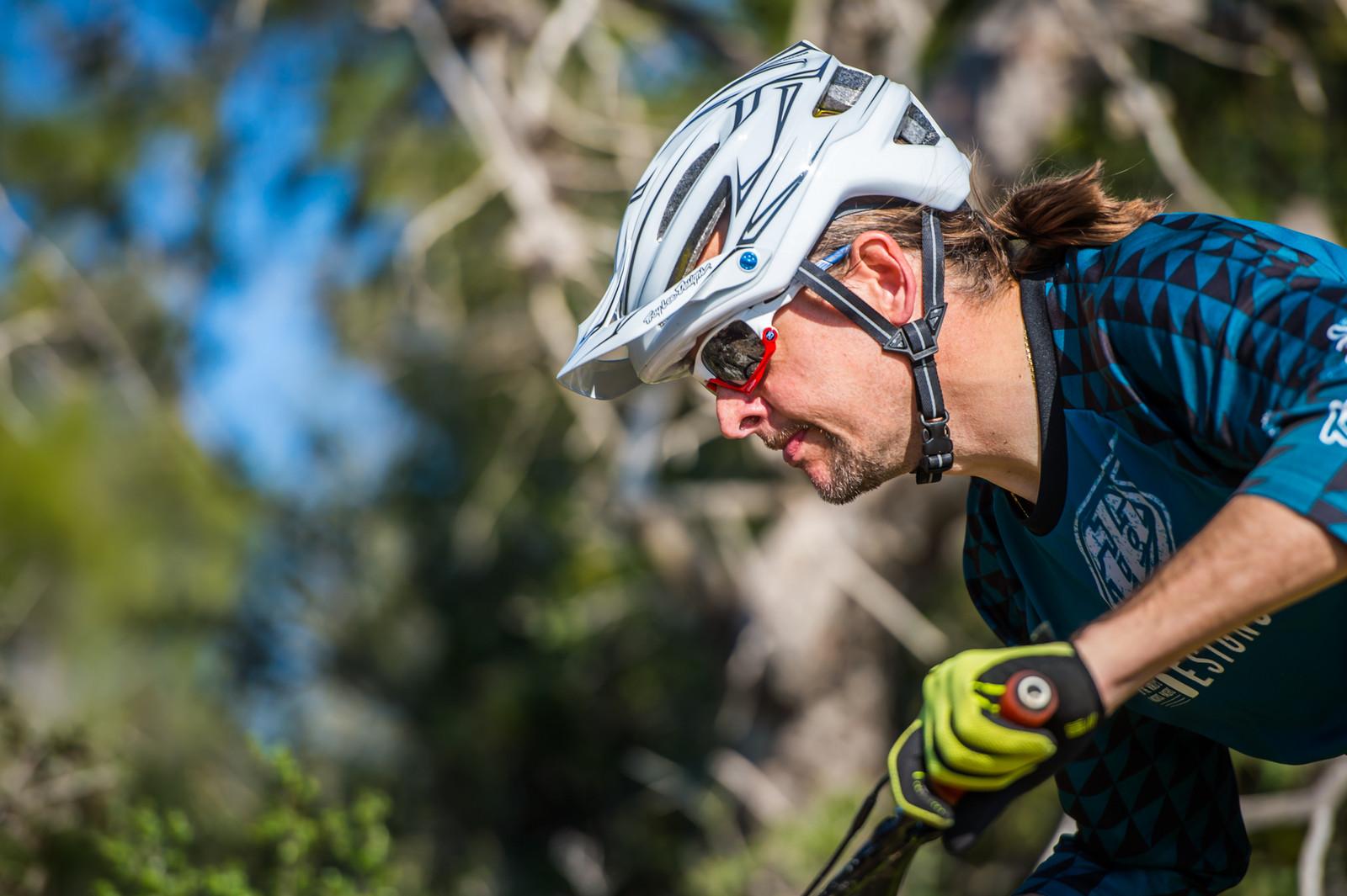 Troy Lee Designs A2 Mips Helmet Reviews Comparisons