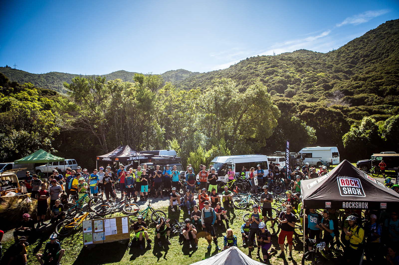 Massive crowd at the riders meeting before everything started! Best crowd, best vibe, best atmosphere = NZ Enduro