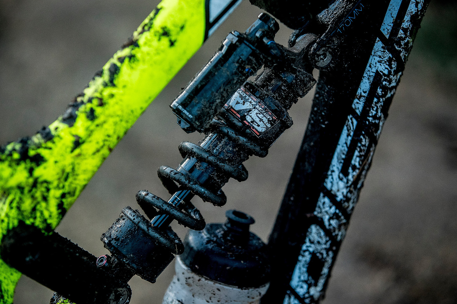 RockShox Super Deluxe coil shock with a super light SAR (Stendec) steel spring, tuned by Nico Vouilloz himself.