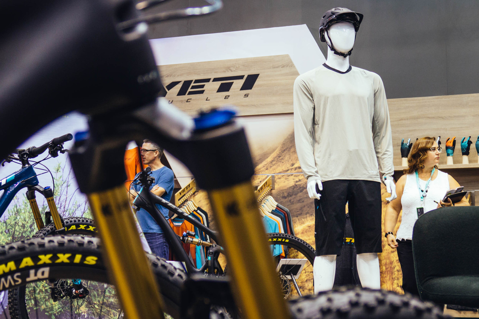776f991e0 Yeti Cycles at Eurobike - TURQ.Air Apparel