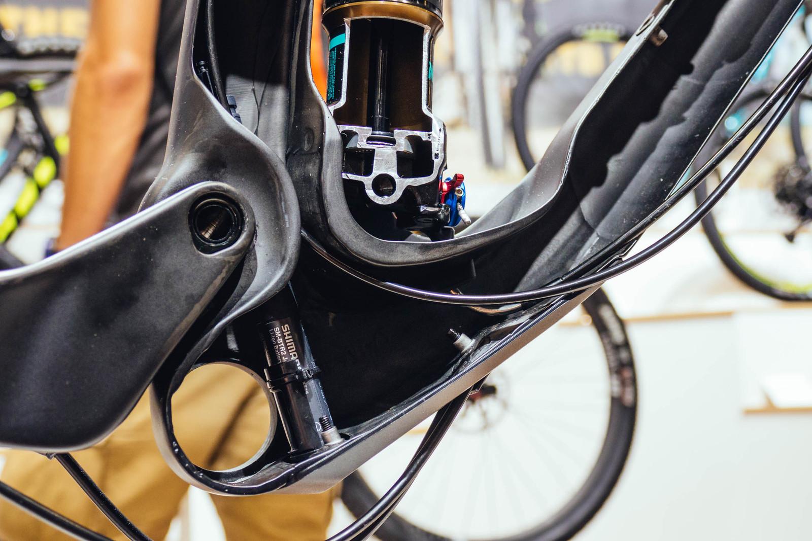 What\'s Inside the Scott Genius Carbon Frame? - Mountain Bikes ...