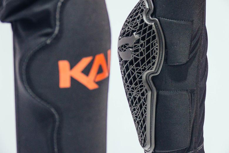 Kali Strike Knee//Shin Protection Knie-und Schienbeinschutz
