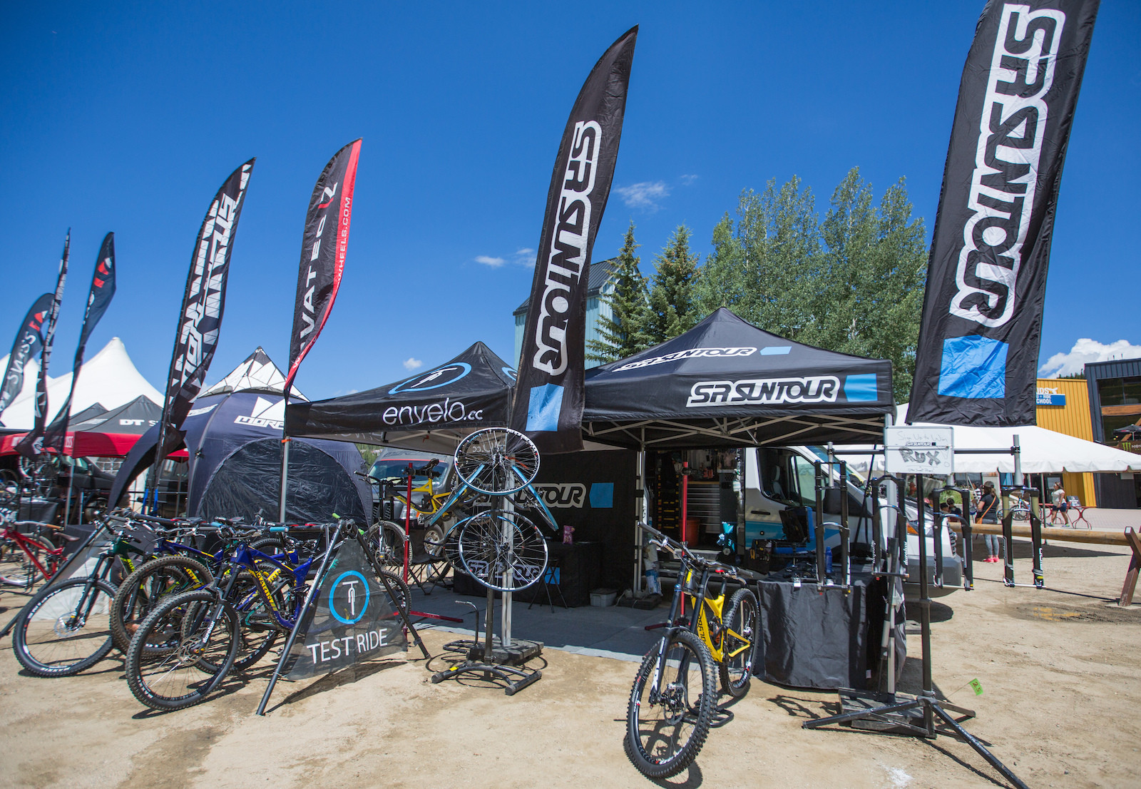 envelo is ready to demo the very best of SR Suntour suspension and Novatec wheels.