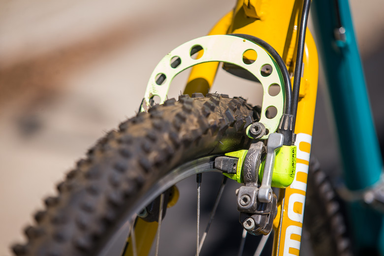 Quick release Magura hydraulic rim brakes.