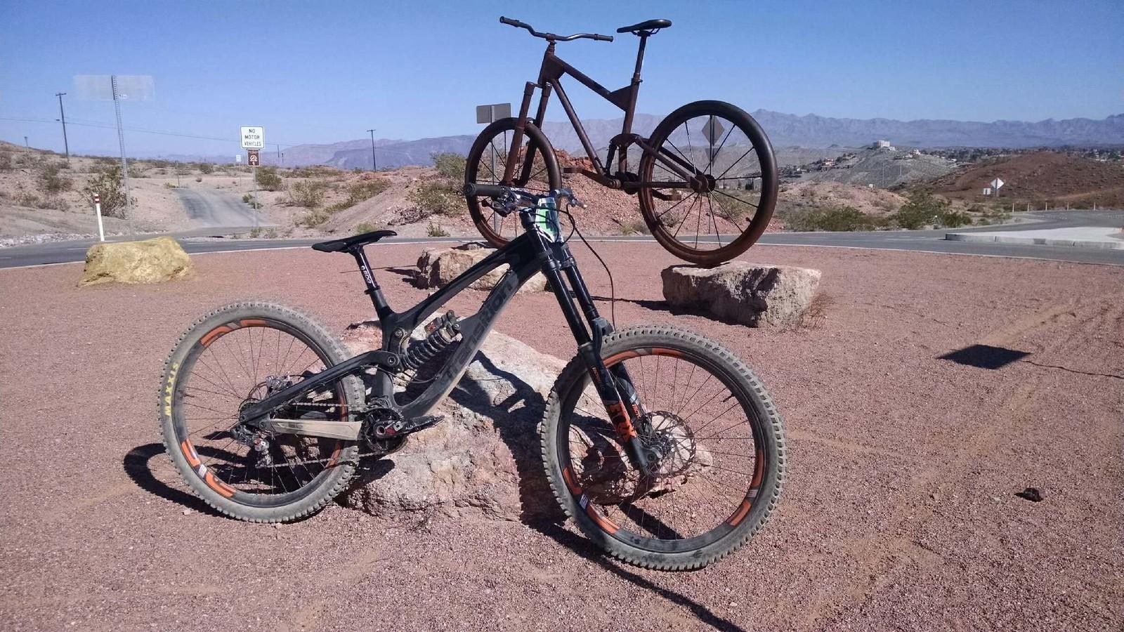 Steve Wentz's Transition TR11 Downhill Bike - Mountain Bikes
