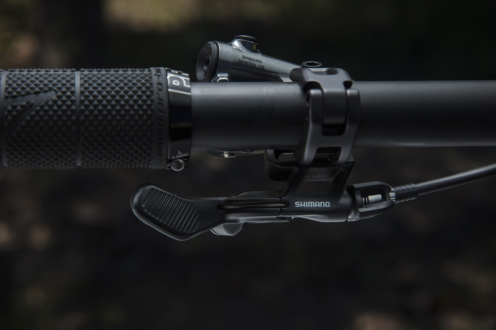90f0fab37b6 The lever mounts right where you'd find the front shifter so it's  positioned to actuate effortlessly and adjust easily without any extra bar  clamps.