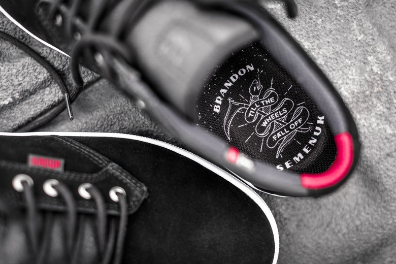 Pro Model etnies Shoe