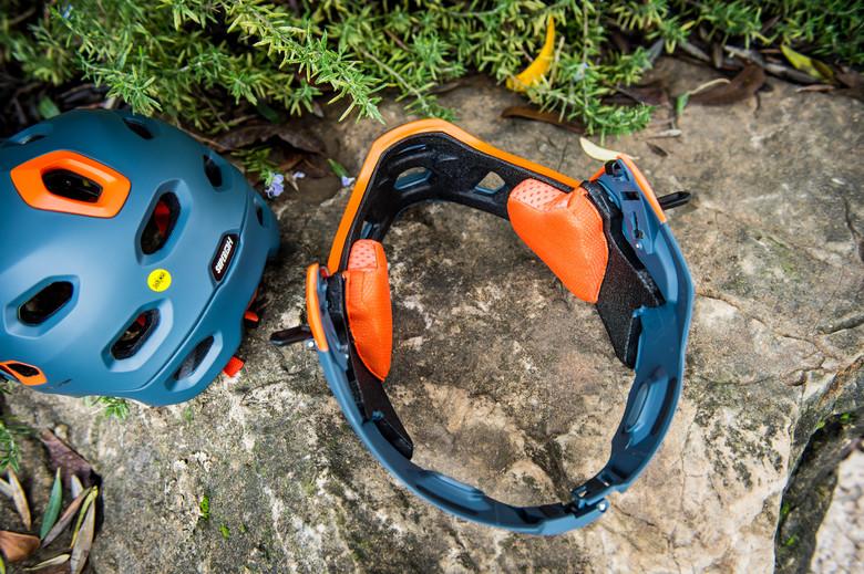 7 of the Best Lightweight Full Face Helmets | Vital MTB Roundup