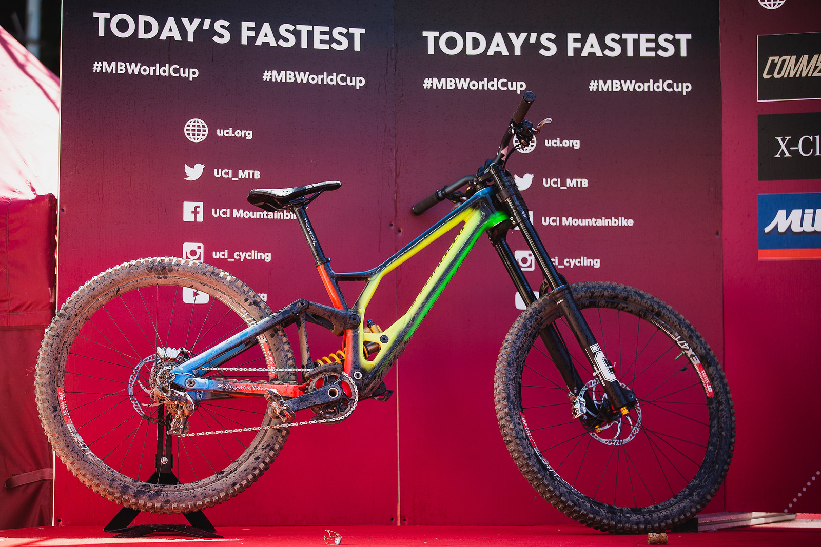 New paint for Loic this weekend, celebrating his 2018 World Champs win with a rainbow palette. All season Loic has been on an aluminum frame with 29-inch front wheel and 27.5-inch rear. He's also on aluminum DT Swiss ex471 rims with an inner width of 25mm; definitely narrower than what today's internet forums would define as acceptable. For Andorra it appears that he's running Maxxis Minion DHR II tires - 29-inch front, 27.5 rear. Specialized doesn't make a DH-casing 29-inch tire, so Loic and Finn have been running unlabeled tires this season and continue to cover the SRAM logo on the crank with electrical tape as there is no official support deal for the team.