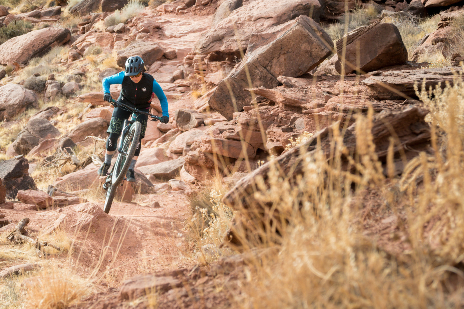 Courtney Steen, mobbing Moab for a Juliana Joplin review and the reason the Vital MTB product guide has over 20,000 bikes, parts and pieces of gear for you to check out. DIALED on and off the bike.