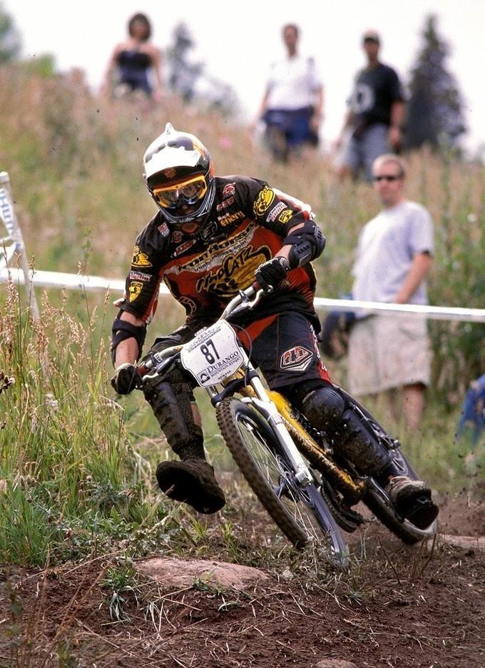 Durango 2003.