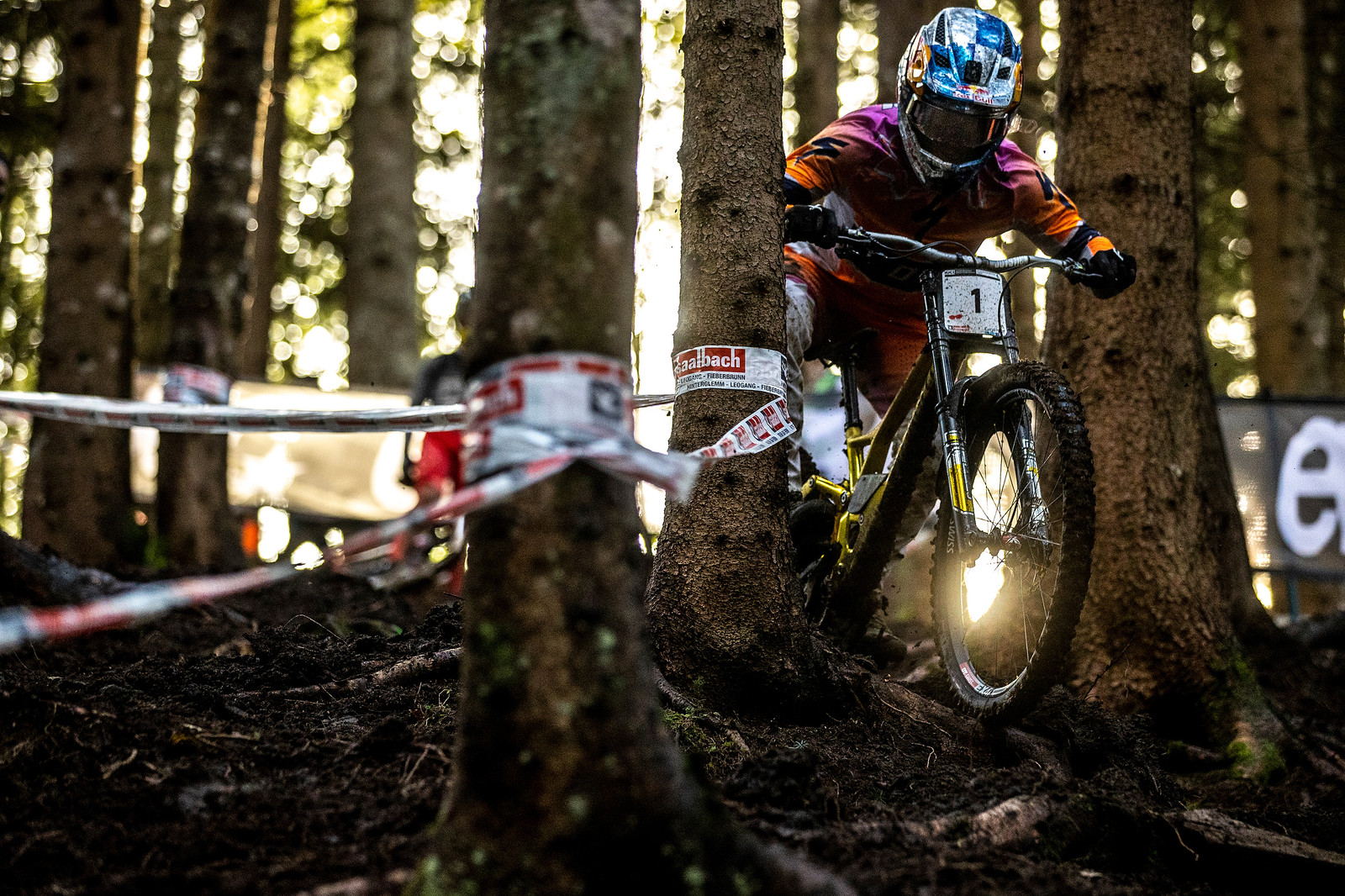 Loic all blingy at World Champs.